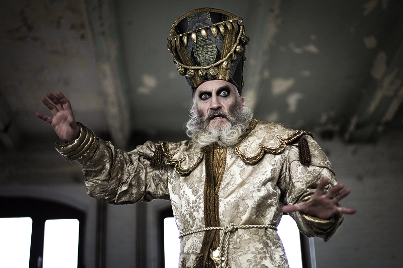 The Grand Duke of Irkutsk 01 - Ana A - Photo by Marc Huth